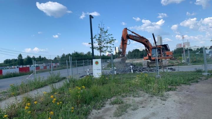 Депутат Госдумы рассказал, что будет с раскопкой дороги на Широкой Речке, из-за которой жители устроили бунт