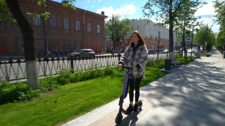 В Перми сделают спецпарковки для электросамокатов и введут зоны с ограничением скорости для них