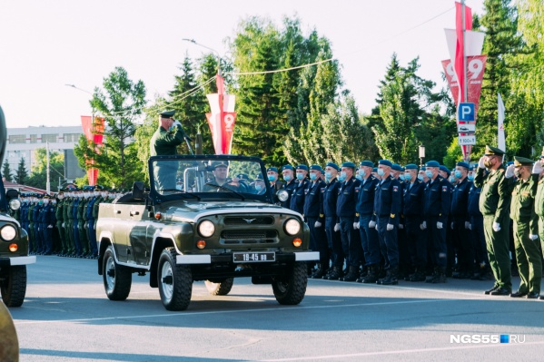 По главной улице Севастополя пройдут расчеты и военная техника