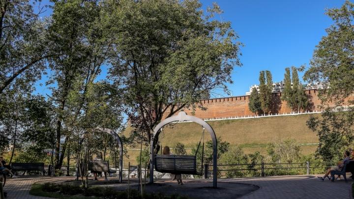 Качели с видом на кремль и новая прогулочная зона: смотрим, как изменился Почаинский бульвар