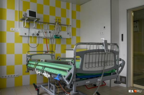Бригады скорой помощи теряют много времени из-за неактуальной информации о свободных местах в ковидных стационарах