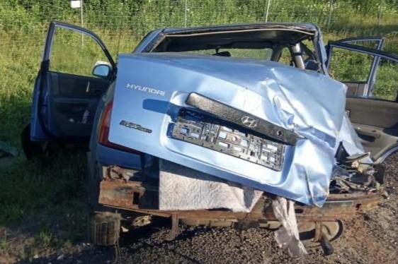В Ярославской области легковушка влетела в автобус, есть погибшие