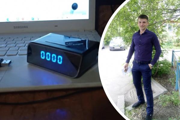 Слева — фото часов из отзывов покупателей на «Алиэкспрессе»