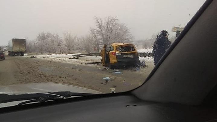 Такси из Чечни попало в смертельное ДТП в Волгоградской области: видео