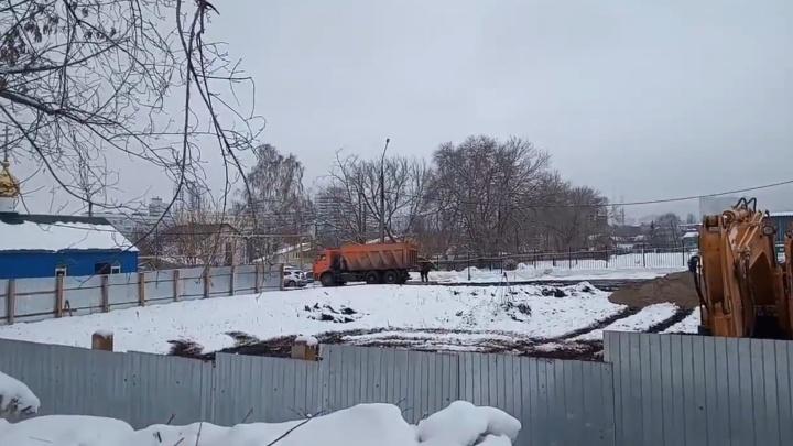 В Самарском университете прокомментировали земляные работы рядом с ботаническим садом