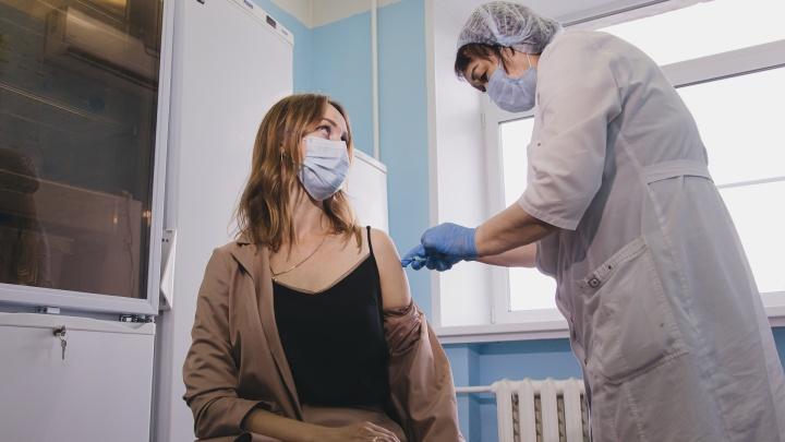 Кому нельзя делать прививку: сравниваем пять вакцин от коронавируса