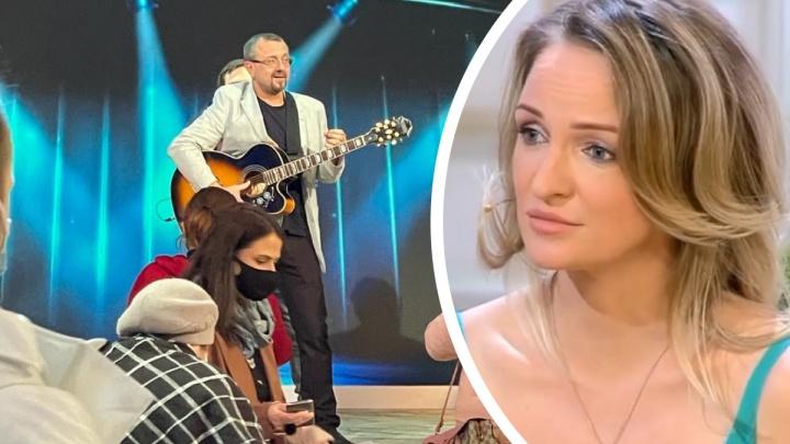 «Не больше чем шоу»: екатеринбуржец на «Давай поженимся» пытался покорить невесту колбасой и песней группы «Чайф»