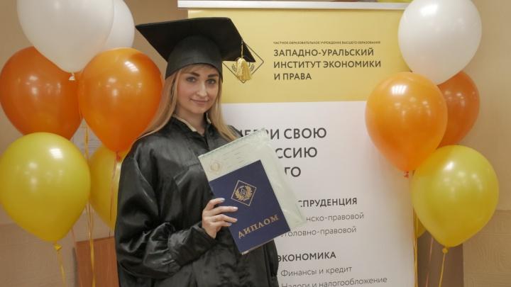 Абитуриентам рассказали, выгодно ли получать высшее образование после колледжа