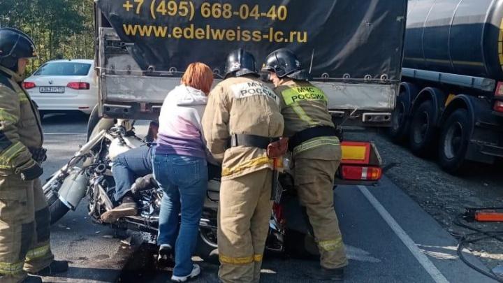 Под Миассом в ДТП с грузовиком погиб 30-летний мотоциклист из Башкирии