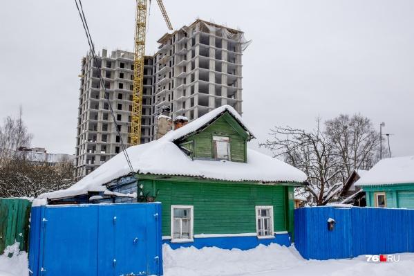 Среди частного сектора уже растут многоквартирные дома