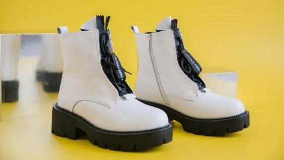 Как купить модную обувь, если зарплата нескоро: где в Новосибирске уже начались ликвидации зимних коллекций