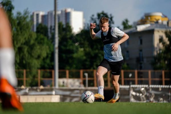 По данным пресс-службы «Ротора», к тренировкам присоединились почти все футболисты