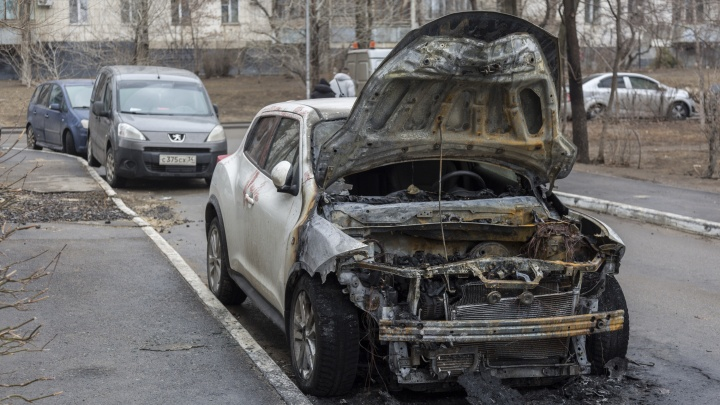 В Волгограде и области за сутки сгорели три иномарки и «Лада»
