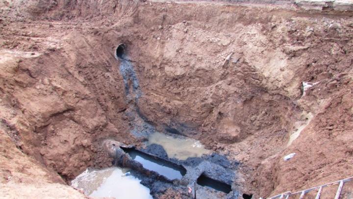 «На том же самом месте»: районный центр под Волгоградом вновь остался без воды