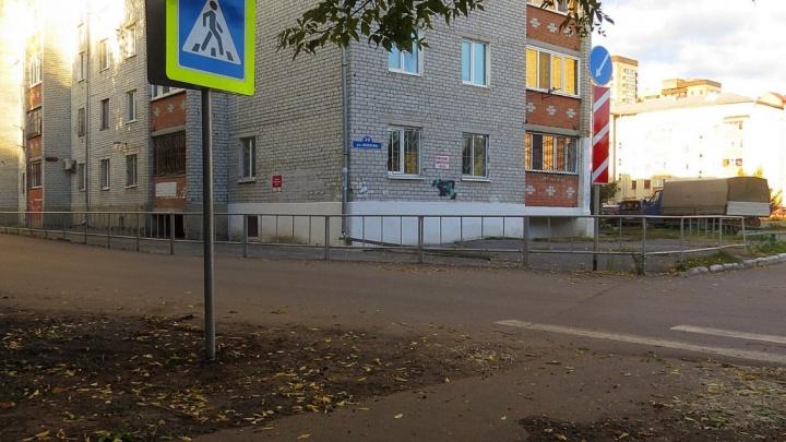 УК вернула жильцам тюменской многоэтажки полтора миллиона рублей и сделала ремонт бесплатно