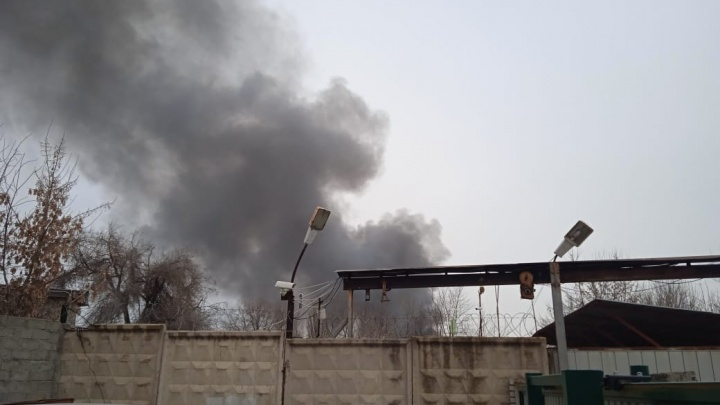 В Волгограде загорелся Качинский рынок