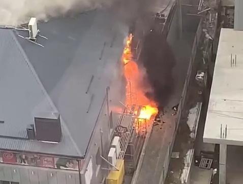 В Ростове загорелся магазин, разделенный между «Магнитом» и «Пятёрочкой»
