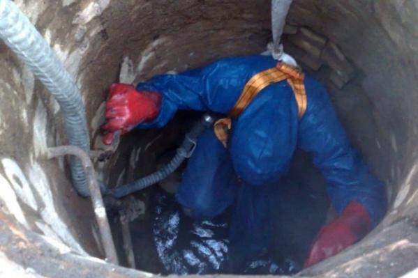 Предполагается, что рабочие отравились газом