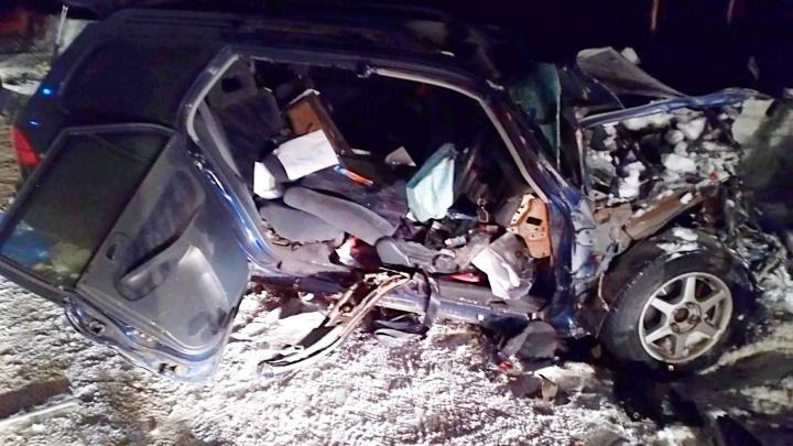 В Богучанском районе в ДТП с рейсовым микроавтобусом погиб человек и еще девять пострадали
