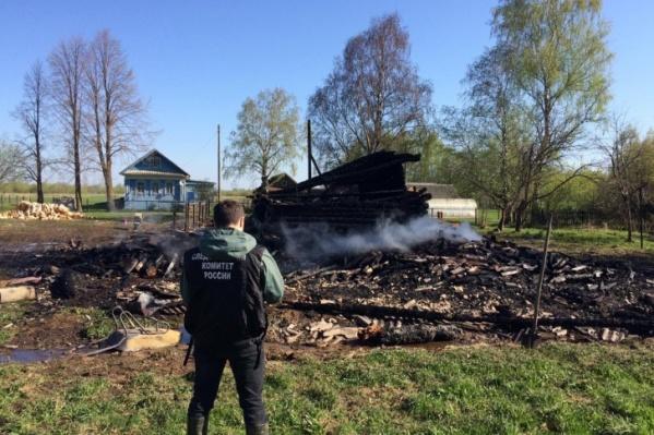 Нападавшие сожгли дом