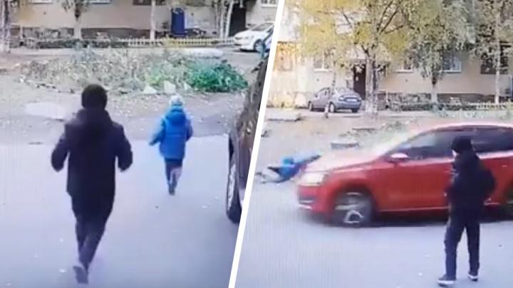 Архангелогородка на авто сбила во дворе пятилетнего мальчика: разбор ситуации с автоюристом