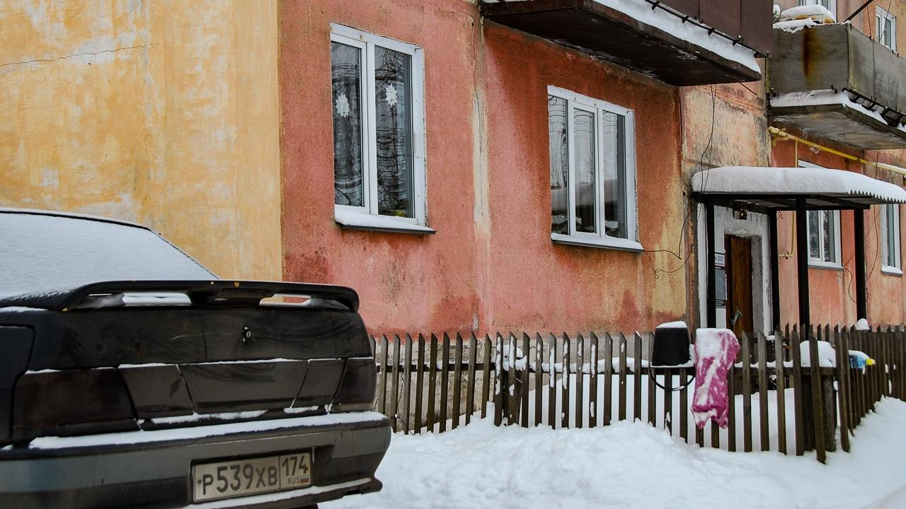 Проблема, конечно, и в самих домах: панельки такой конструкции энергоэффективностью не отличаются