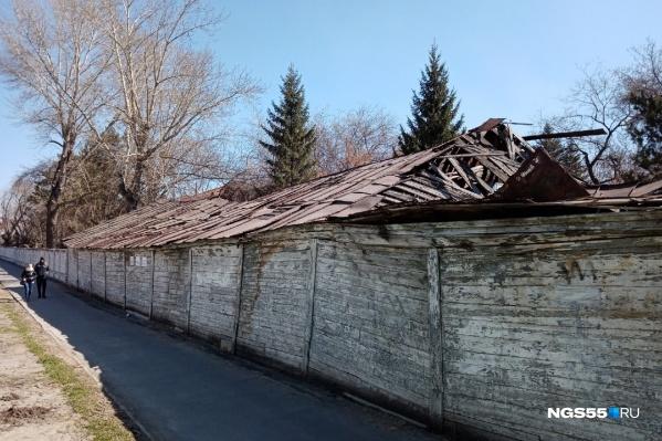 В здании военного госпиталя в 1850–1854 годах периодически находился Фёдор Достоевский