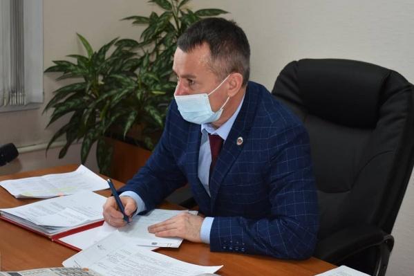 Максим Шкарабейников прошел медицинский осмотр, планируя поставить вакцину
