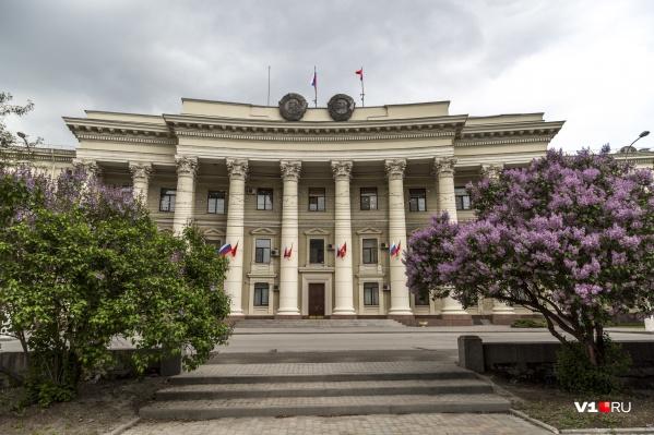 Уже два из пяти губернаторов Волгоградской области удостоились мемориальных досок