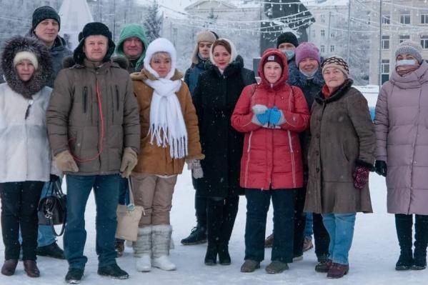 Активисты собрались на площади Ленина, чтобы записать короткий ролик со словами «Привет, Навальный!»