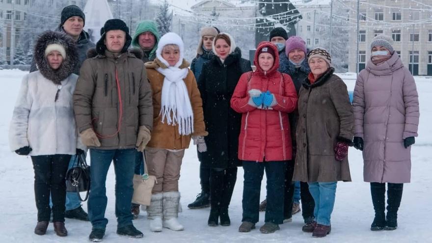 В Архангельске задержали двух человек за приветы Алексею Навальному