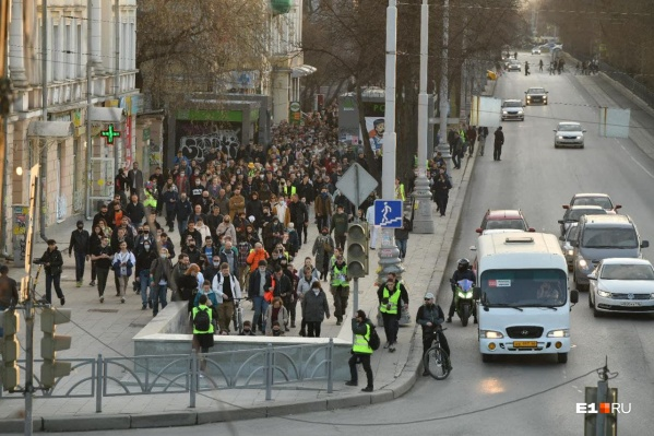 Власти сначала насчитали 5 тысяч протестующих, а потом одумались и снизили цифру в два раза