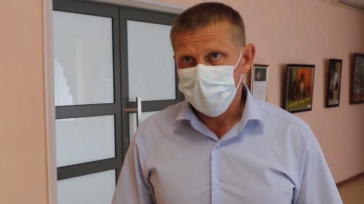 Мэр Белова пообещал помочь со строительством в городе приюта для бездомных собак