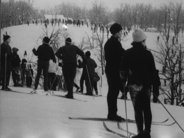 Лыжники-равнинники на снежных просторах. 1968 год