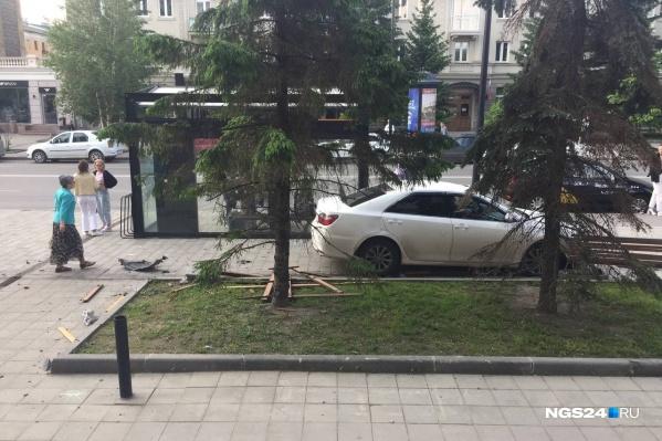 В результате аварии пострадали пешеходы