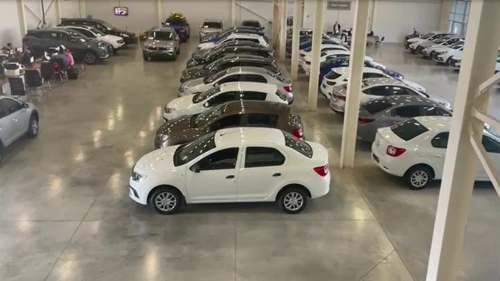 В Уфе клиенты обвинили автосалон в навязывании кредитов. Дилеры назвали это госпрограммой