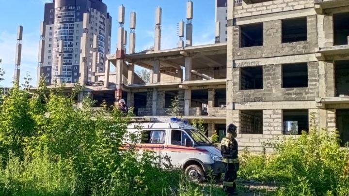 СК возбудил уголовное дело после гибели 13-летней девочки на стройке в Новосибирске