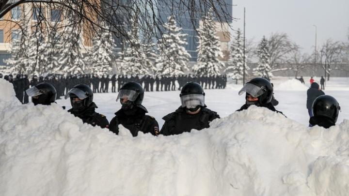 Разделяй и властвуй: как силовики гоняли протестующих по всей стране