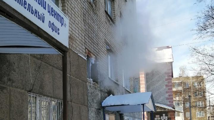 Как в парилке: в Ростове жители многоэтажки задыхаются в своем подъезде
