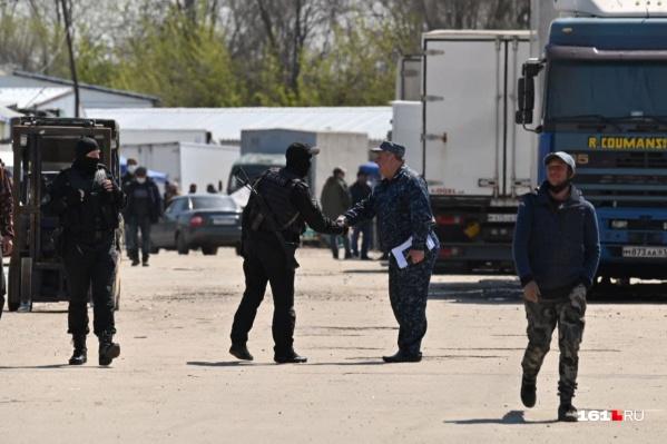 Официально ни полиция, ни Росгвардия даже не подтверждают, что спецоперация идет