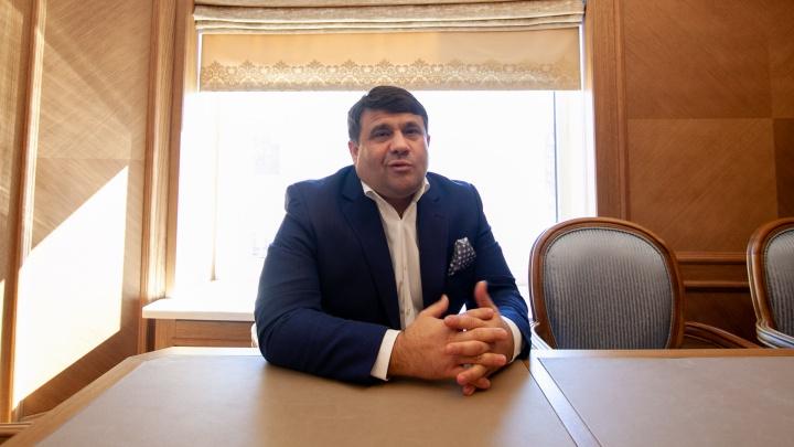 ОПГ, «убийство», защита богатых — интервью с тюменским депутатом Владимиром Пискайкиным
