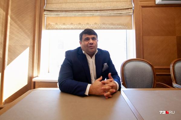 В региональном парламенте Пискайкин занимает пост вице-спикера и является членом комитета по госстроительству и местному самоуправлению