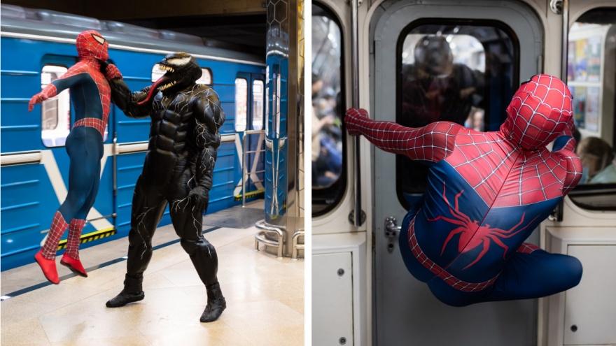 Человек-паук и Веном устроили драку в метро Екатеринбурга