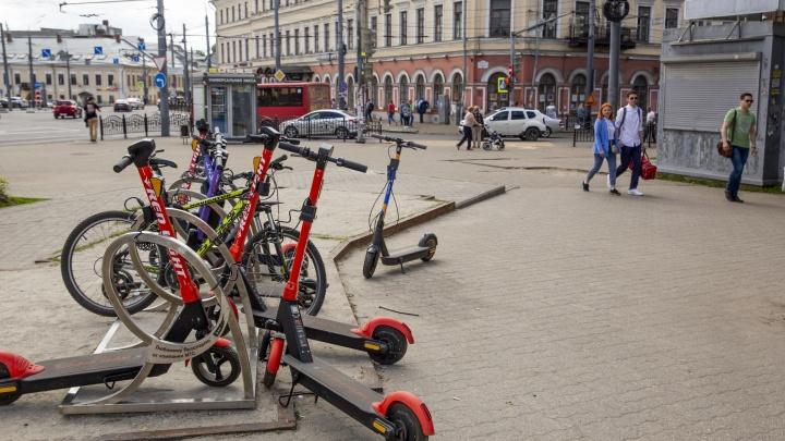 «Это смертоносно»: в Ярославле депутаты захотели запретить электросамокаты. Почему это невозможно