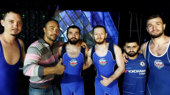 Стриптизеры из Екатеринбурга выступят за команду чемпионов Высшей лиги КВН