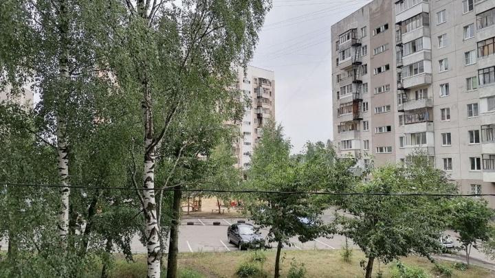 В Ярославле из-за грозы крупный район остался без света, заблокированы дороги
