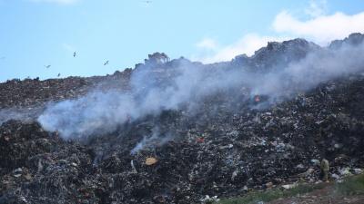В Росприроднадзоре рассказали, что грозит виновникам пожаров на мусорном полигоне под Уфой