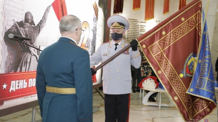 В Волгограде у Совета ветеранов органов внутренних дел и внутренних войск появилось знамя