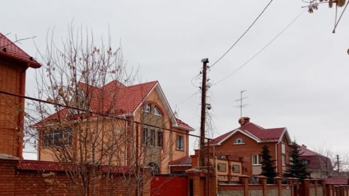 Жители Уралмаша отстояли свои шикарные коттеджи, которые хотели снести ради многоэтажек