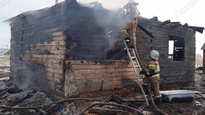 В Башкирии мальчик, чьи мать и брат погибли в пожаре, более двух недель не может пойти на поправку